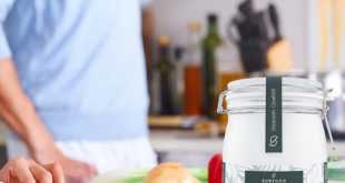 SUBIOCO Bio Kokosfett im Glas auf weissem Grund